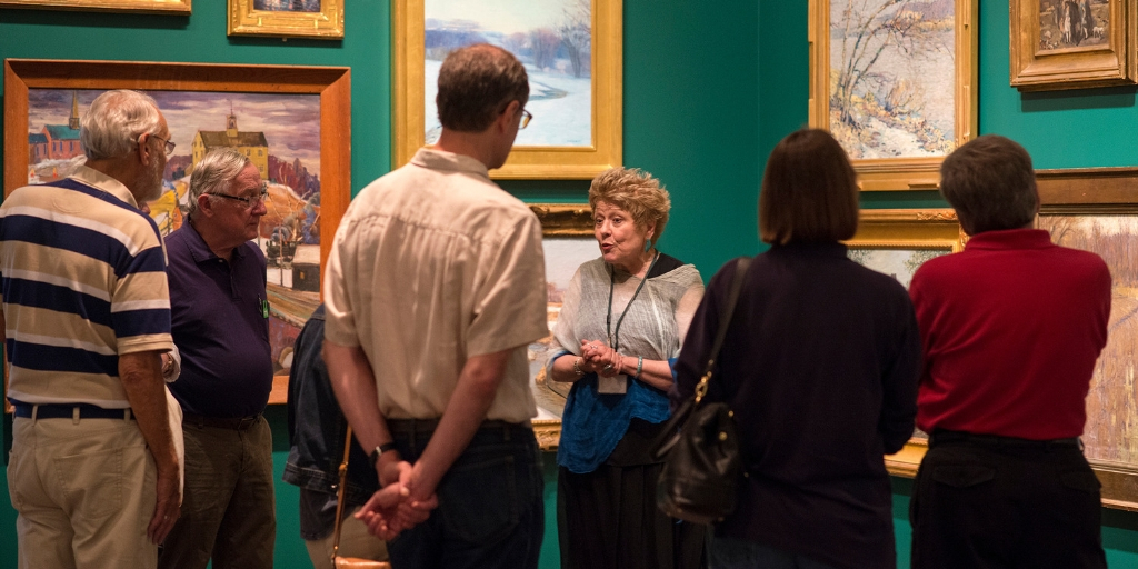 Docent leads tour in Byers Gallery